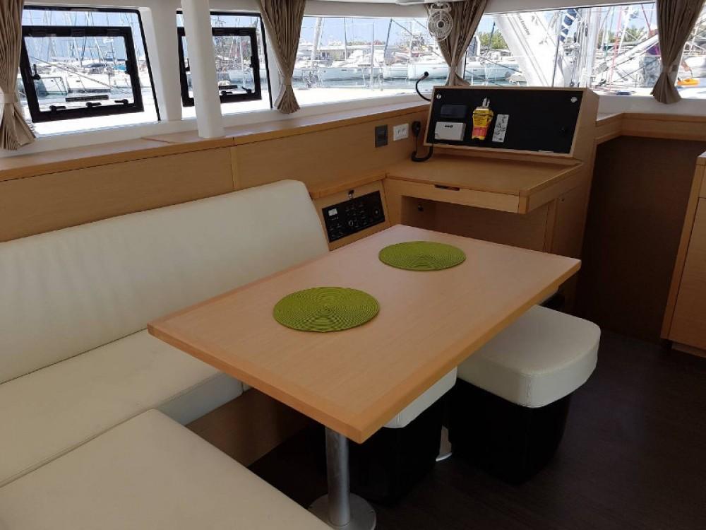 Noleggio barche Álimos economico Lagoon 400Lagoon 400