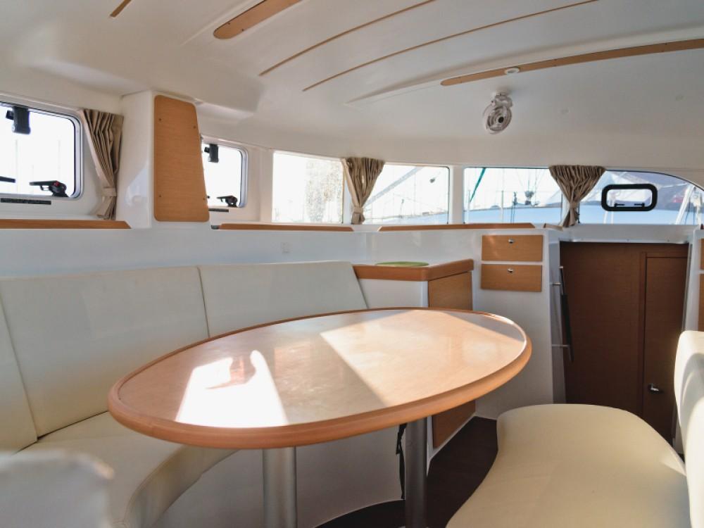Noleggio barche Álimos economico Lagoon 380