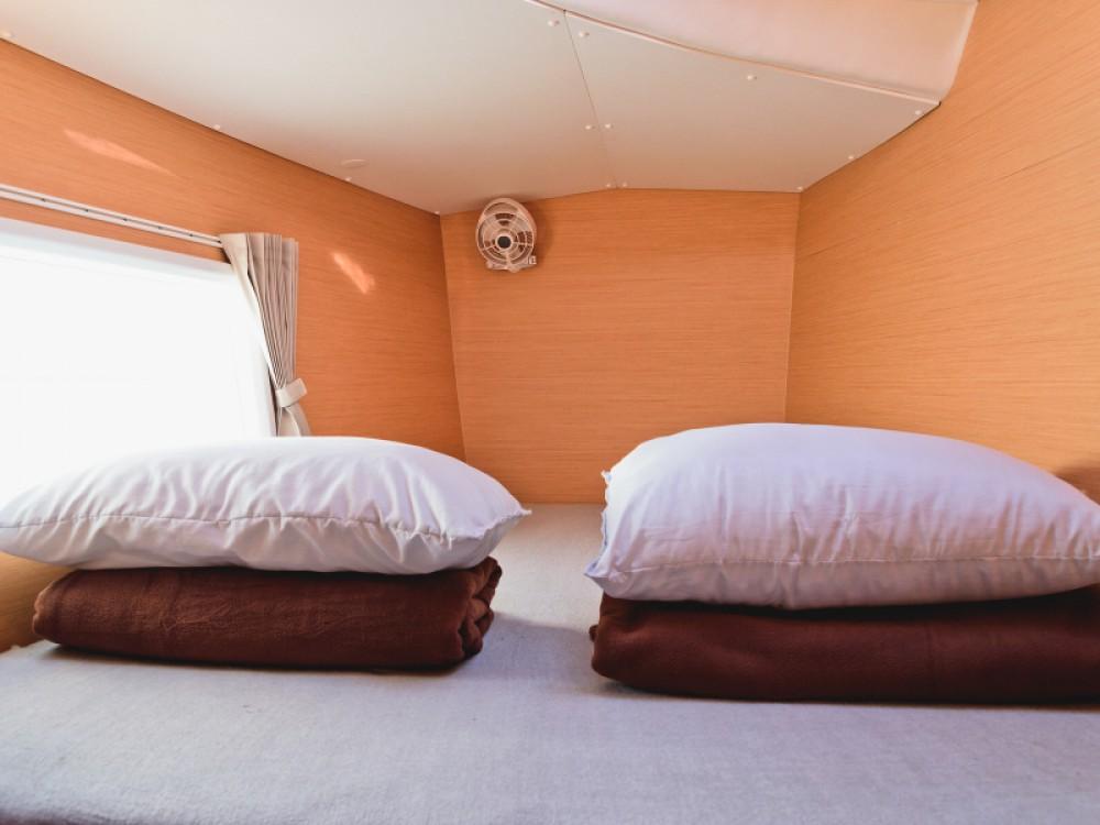 Noleggio barche Lagoon Lagoon 380 Álimos su Samboat