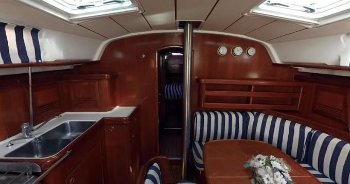 Noleggio yacht a Betina – Bénéteau Oceanis 411 su SamBoat