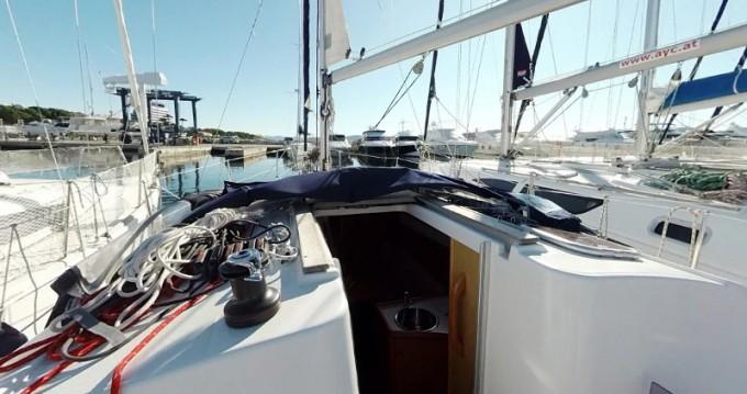 Noleggio barche Jeanneau Sun Odyssey 30i a Betina su Samboat