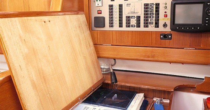 Noleggio barche Elan Elan 431 a Betina su Samboat