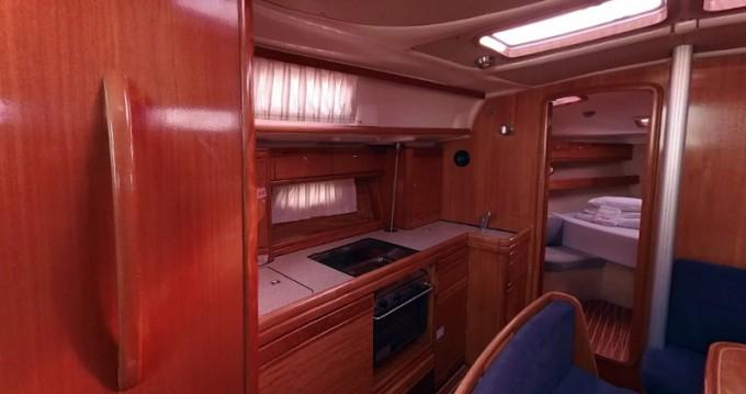 Barca a vela a noleggio a Betina al miglior prezzo