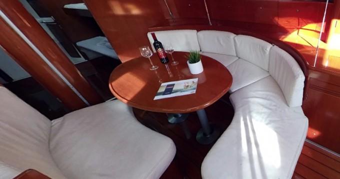 Noleggio yacht a Betina – Bénéteau First 47.7 su SamBoat