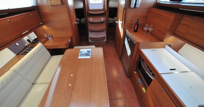 Noleggio Barca a vela a Marina di Portisco – Dufour Dufour 382 Grand Large