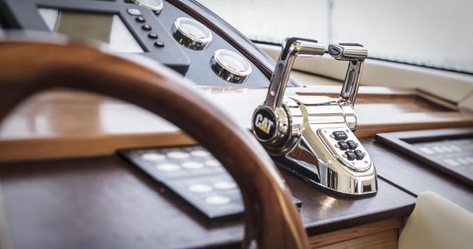 Noleggio Barca a motore a Porto Rotondo –  Lobfish 57