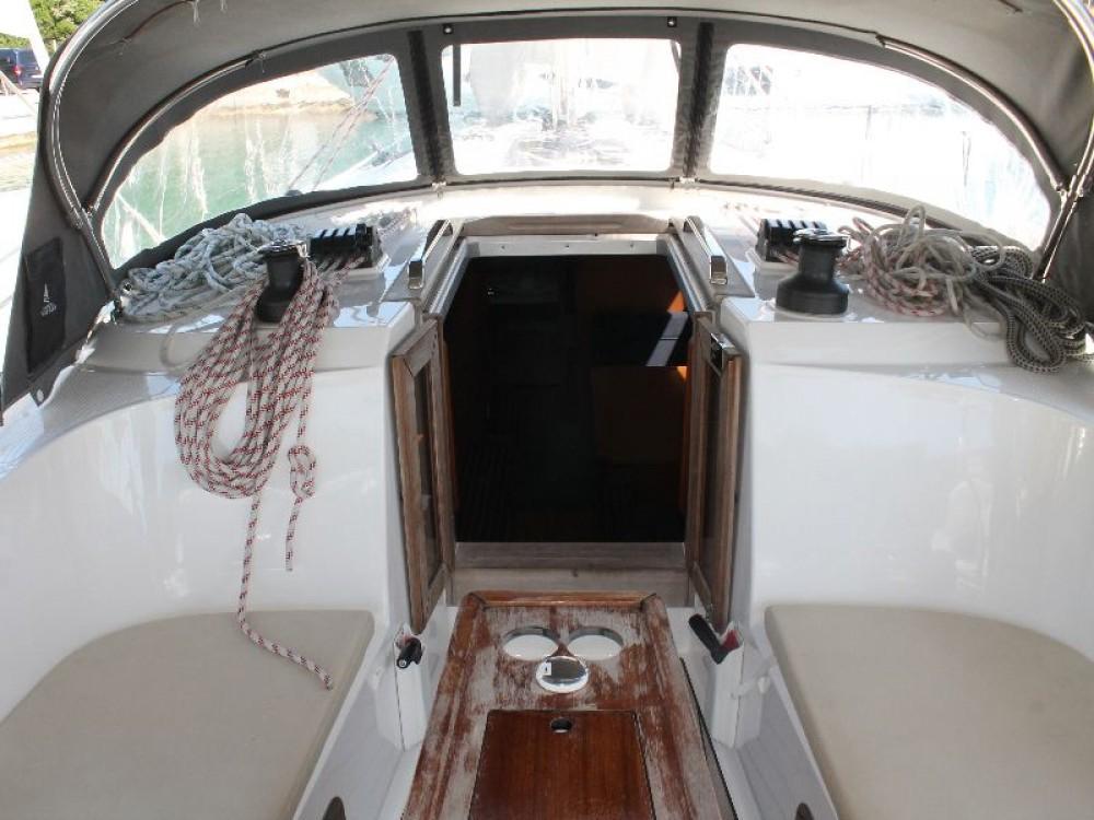 Noleggio barche Bavaria Bavaria Cruiser 41 Capocesto su Samboat