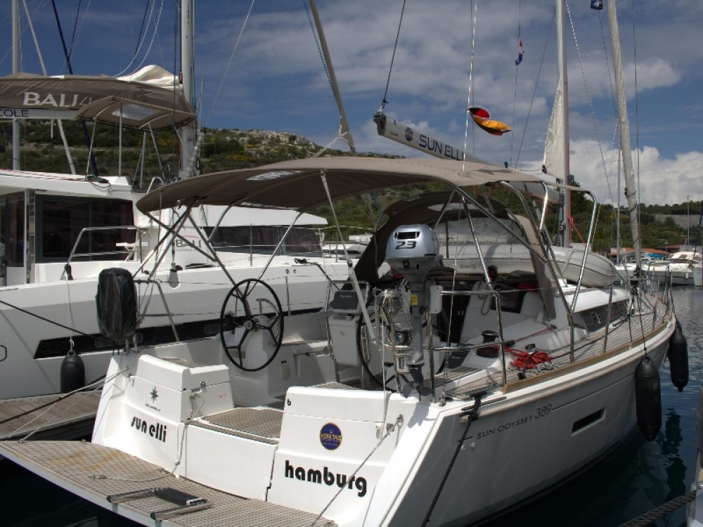 Noleggio barche Primošten economico Sun Odyssey 389