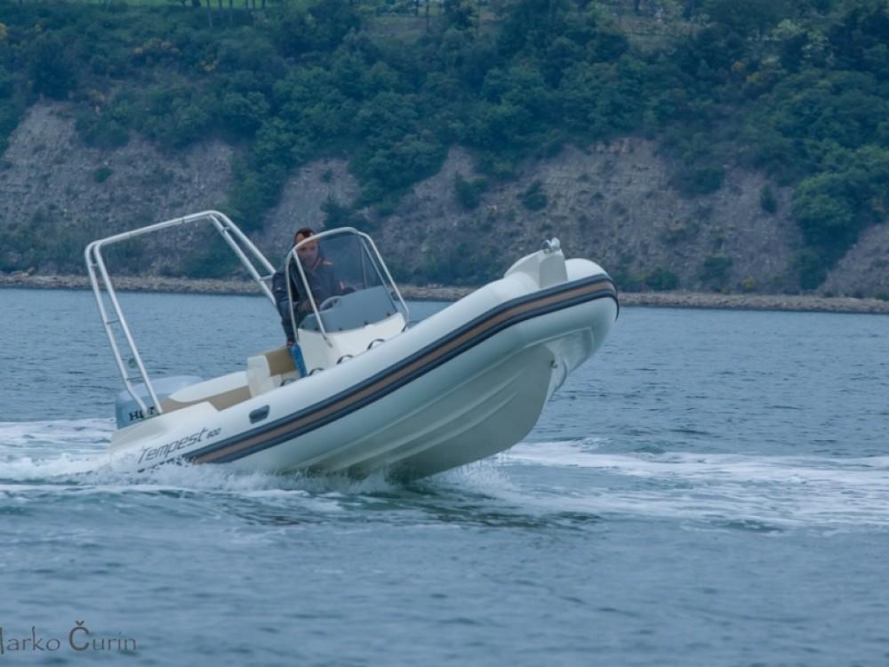 Noleggio Barca a motore con o senza skipper Cantiere Sukošan