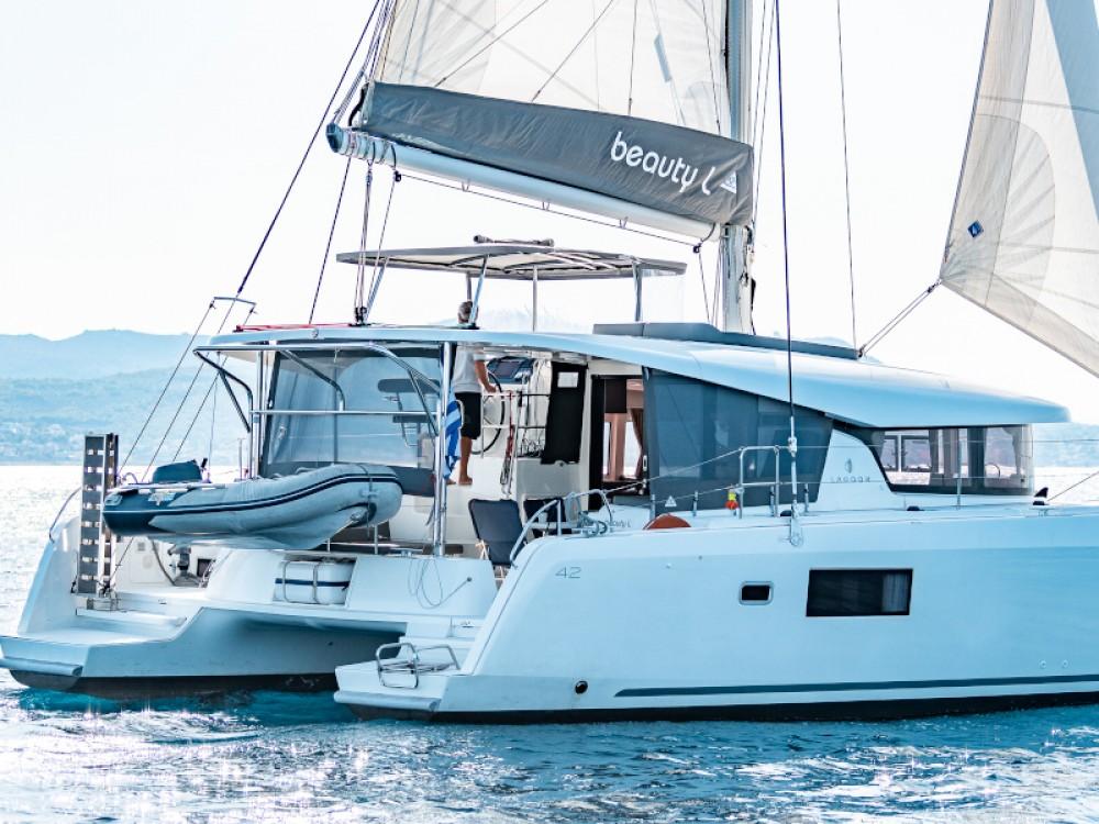 Noleggio barche Álimos economico Lagoon 42