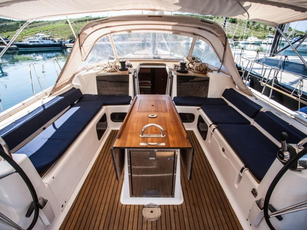 Noleggio Barca a vela con o senza skipper Dufour Capocesto
