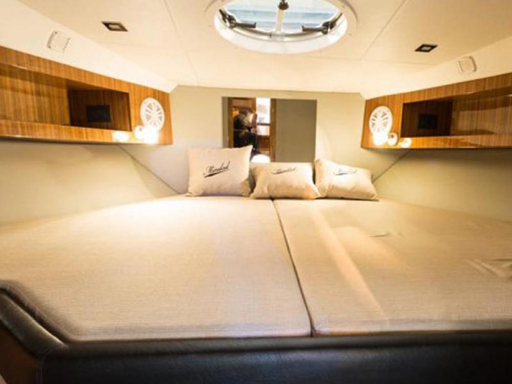Noleggio Barca a motore con o senza skipper