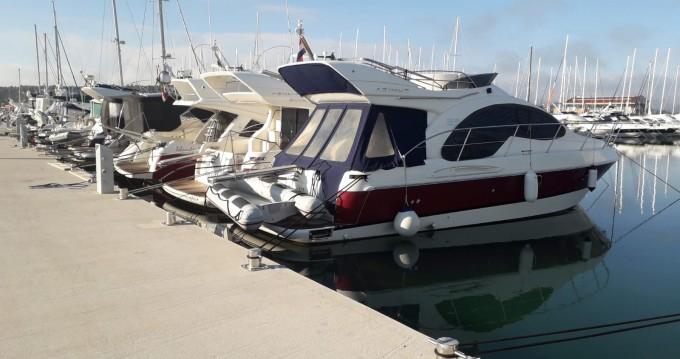 Noleggio barche Azimut Azimut 39 a Pirovac su Samboat
