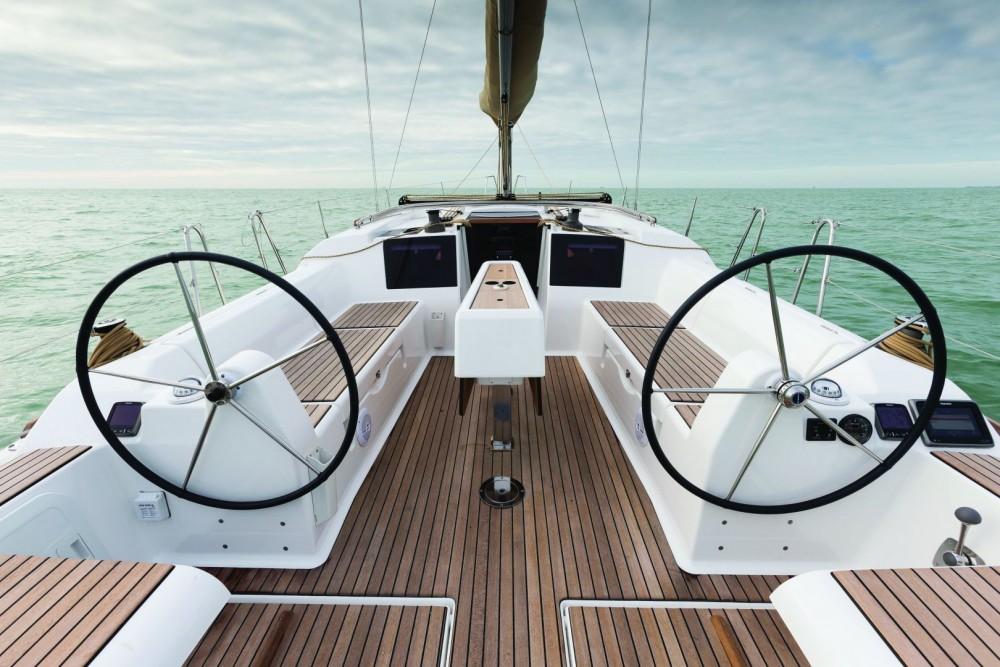 Noleggio Barca a vela con o senza skipper Dufour Cagliari