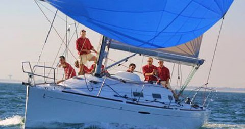 Noleggio barche Nettuno economico First 36.7
