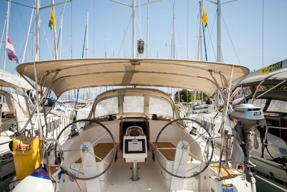 Noleggio barche Trogir economico Bavaria Cruiser 37