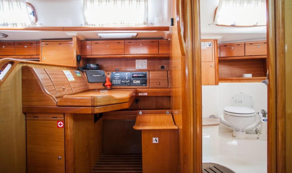 Noleggiare un'Bavaria Bavaria 50 Cruiser Traù