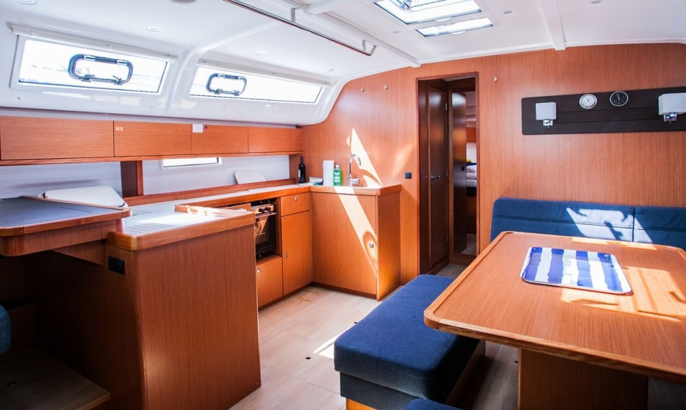 Noleggio barche Trogir economico Bavaria Cruiser 51