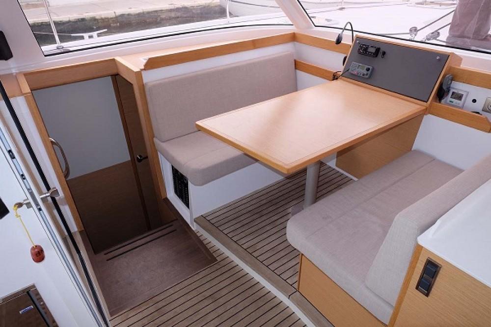 Noleggio Catamarano con o senza skipper Nautitech Traù