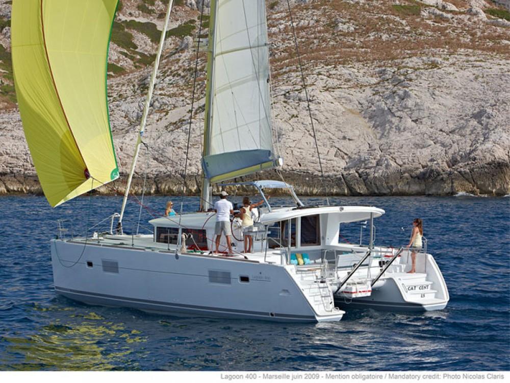 Catamarano a noleggio ACI Marina Dubrovnik al miglior prezzo
