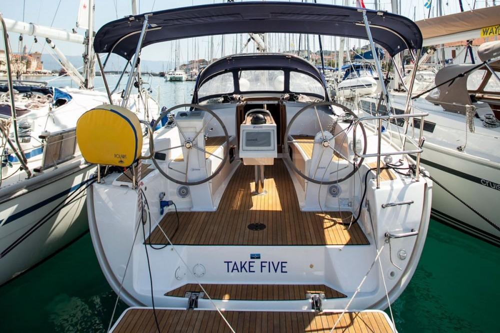 Noleggio barche Bavaria Bavaria Cruiser 34 Traù su Samboat