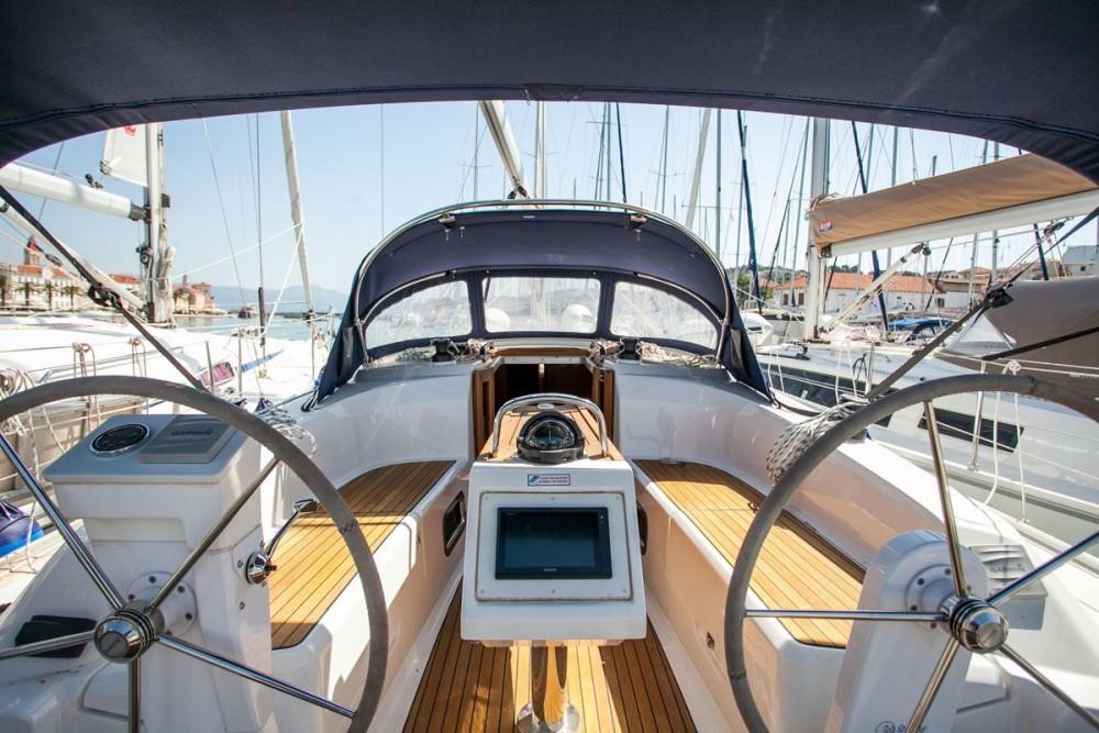 Noleggio yacht Traù - Bavaria Bavaria Cruiser 34 su SamBoat
