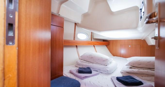 Noleggio yacht a Traù – Elan Impression 384 su SamBoat