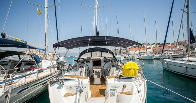 Noleggiare una Bavaria Bavaria 50 Cruiser a Traù