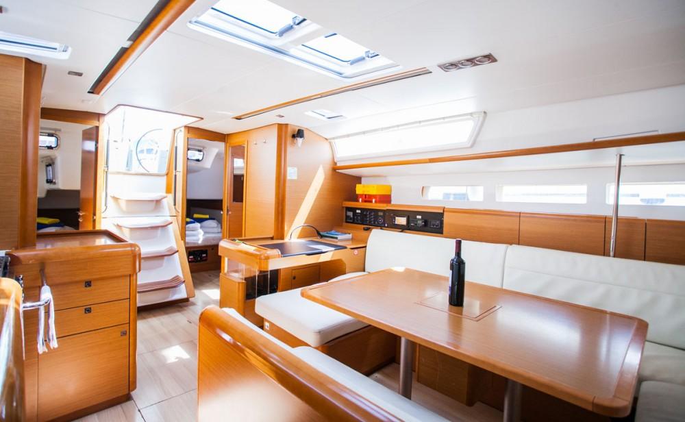 Noleggio barche Traù economico Sun Odyssey 509