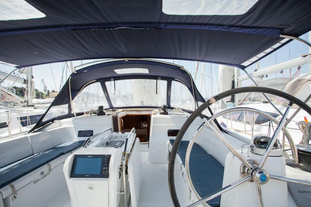 Noleggio Barca a vela con o senza skipper Jeanneau Traù