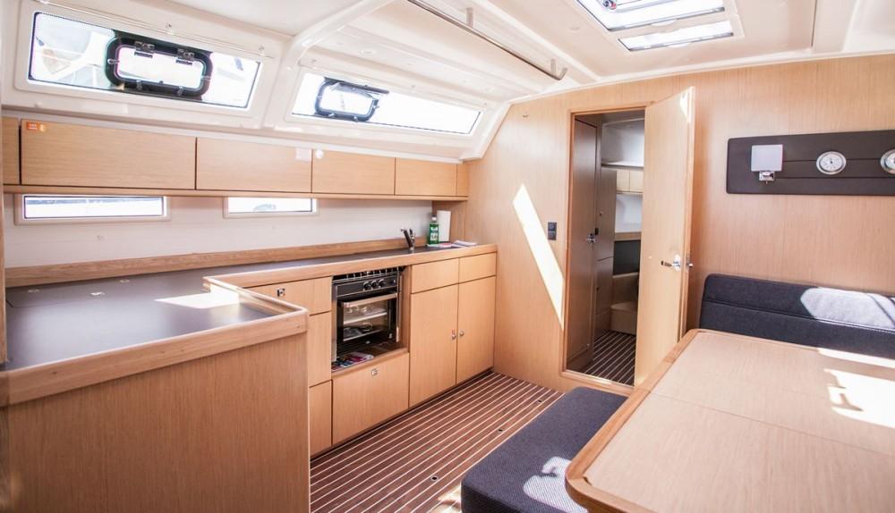 Bavaria Bavaria Cruiser 46 OW. tra personale e professionale