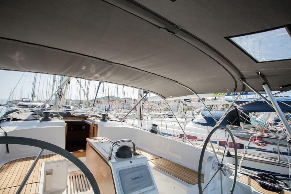 Noleggio Barca a vela con o senza skipper Bavaria ACI Marina Trogir