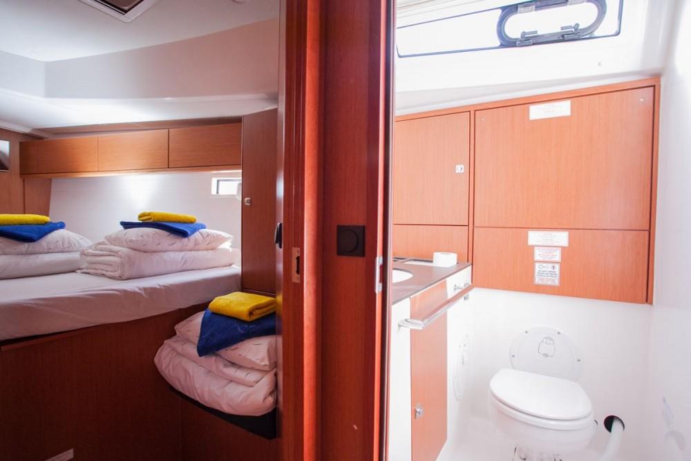 Noleggiare un'Bavaria Bavaria Cruiser 46 ACI Marina Trogir