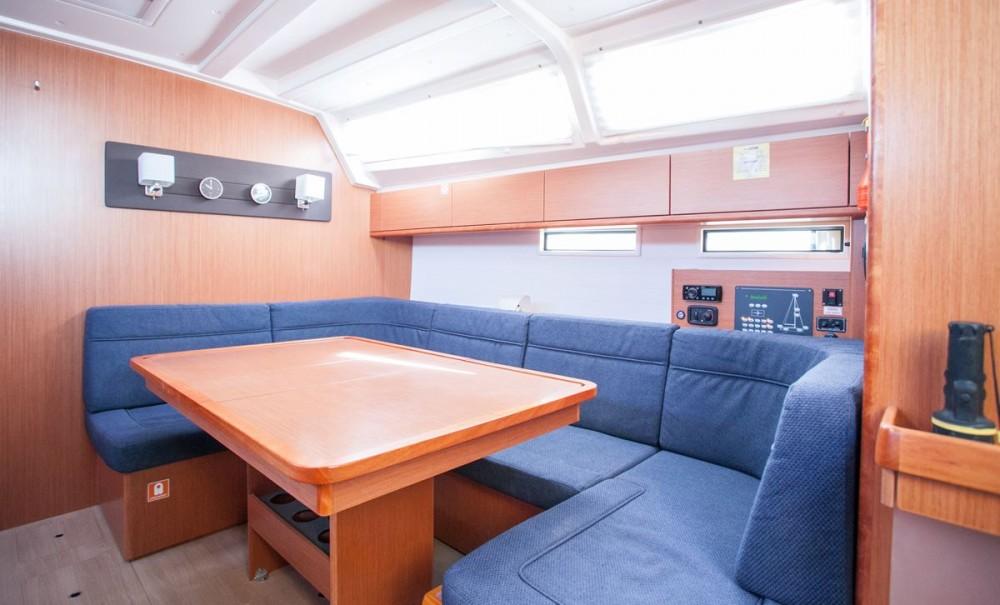Noleggio barche ACI Marina Trogir economico Bavaria Cruiser 46