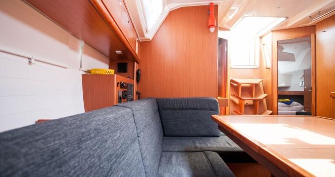 Noleggio barche Traù economico Cruiser 46