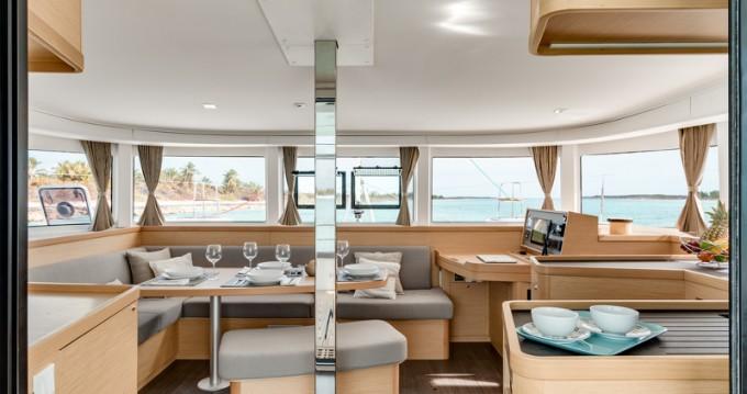 Noleggio Catamarano con o senza skipper Lagoon a Atene