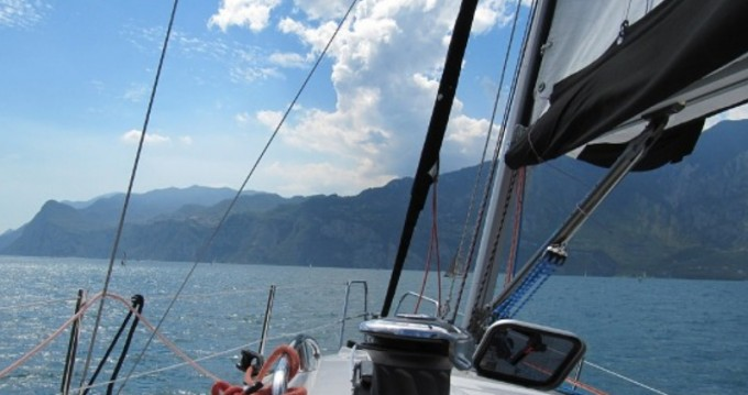 Noleggio Barca a vela con o senza skipper Nautiner a Malcesine