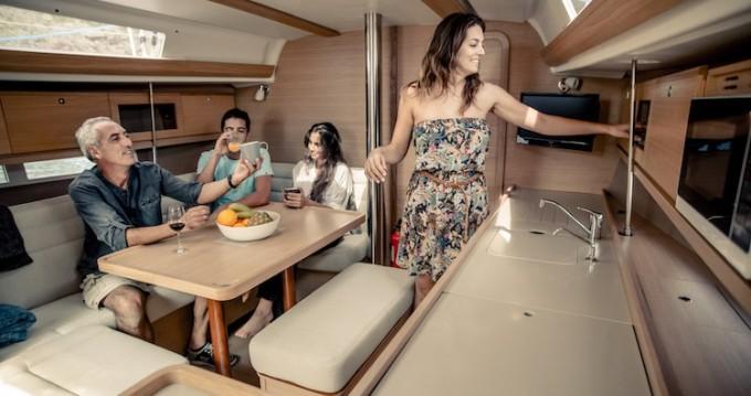 Noleggio Barca a vela con o senza skipper Dufour a Ponta Delgada