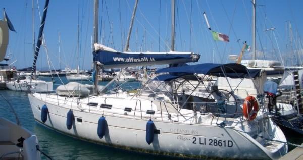 Noleggiare una Bénéteau Oceanis 423 a Punta Ala