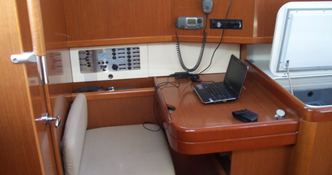 Noleggio barche Punta Ala economico Oceanis 40