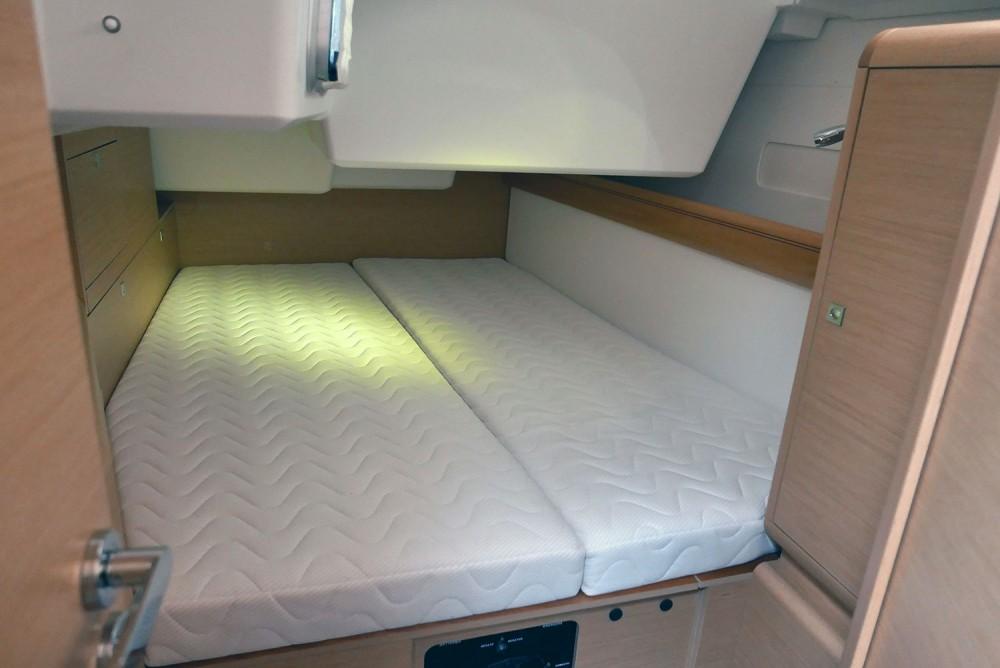 Noleggio barche San Vincenzo economico Sun Odyssey 519