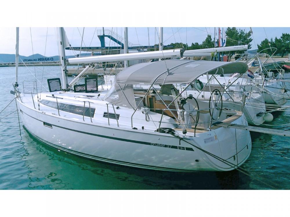 Noleggio barche Bavaria Bavaria 37 Sukošan su Samboat