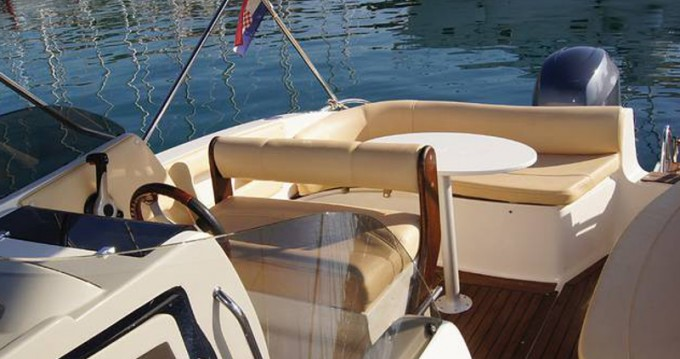 Noleggio yacht a Traù –  Eolo 650 su SamBoat