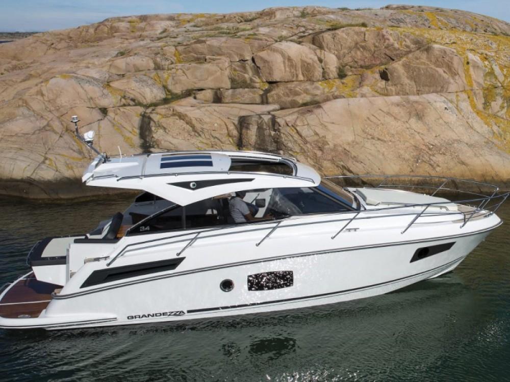 Noleggiare un' Grandezza 34 OC Marina Trogir SCT