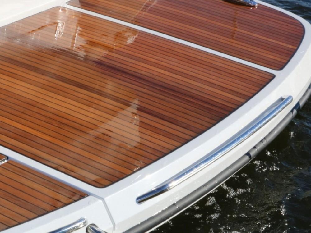 Noleggio Barca a motore con o senza skipper  Marina Trogir SCT
