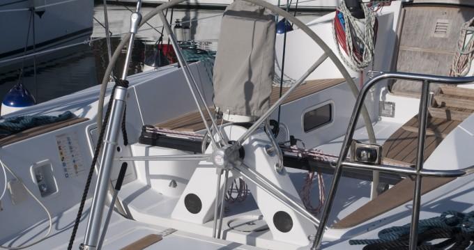 Noleggio Barca a vela Comar con patente nautica