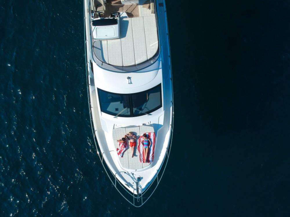 Noleggio barche Barcellona economico Absolute 52 FLY