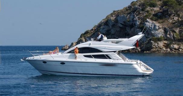 Noleggio Barca a motore a Sebenico – Fairline Fairline Phantom 40