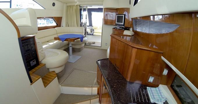 Noleggio yacht a Sebenico – Fairline Fairline Phantom 40 su SamBoat