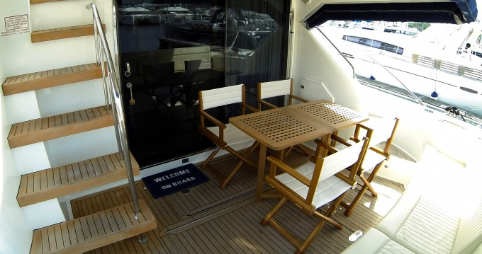 Noleggio yacht a Sebenico – Fairline Fairline Phantom 50 su SamBoat
